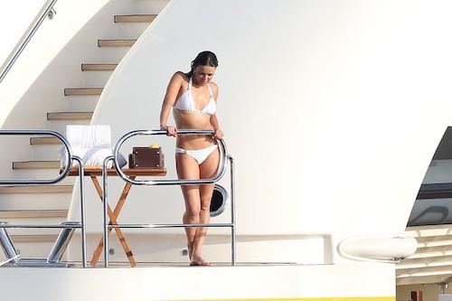 Photos : Michelle Rodriguez : sexy et en couple pour ses vacances ?