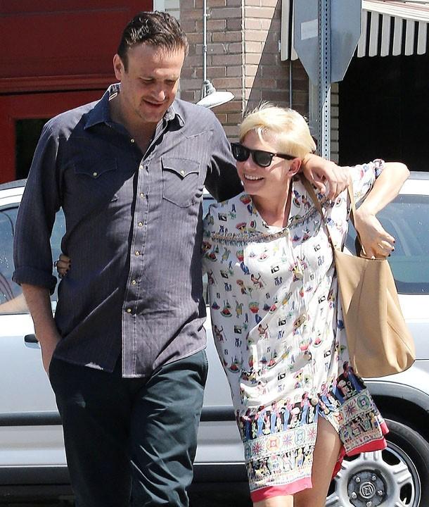 Jason Segel et Michelle Williams à Los Feliz le 20 août 2012