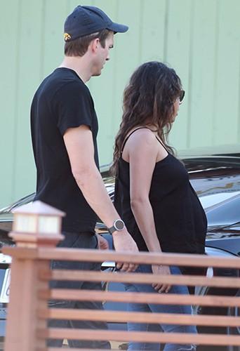 Ashton Kutcher et Mila Kunis à Los Angeles le 12 septembre 2014