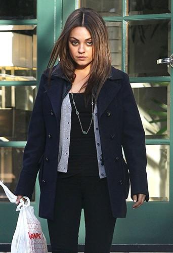 Mila Kunis à Los Angeles le 4 février 2014