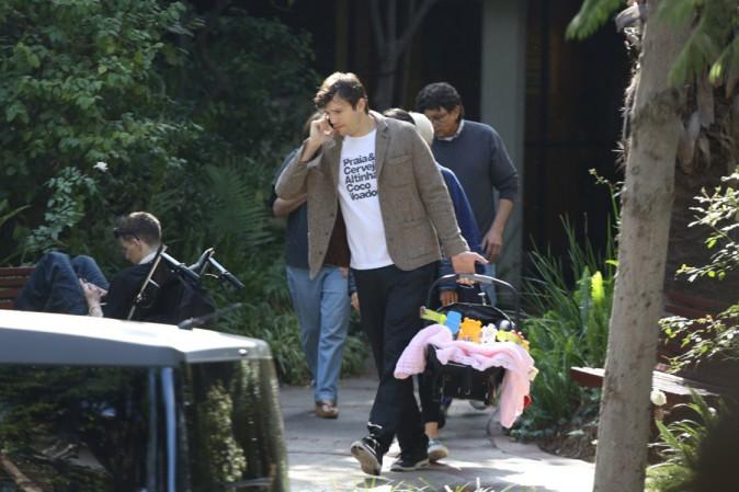 Mila Kunis et Ashton Kutcher à Los Angeles le 7 février 2015