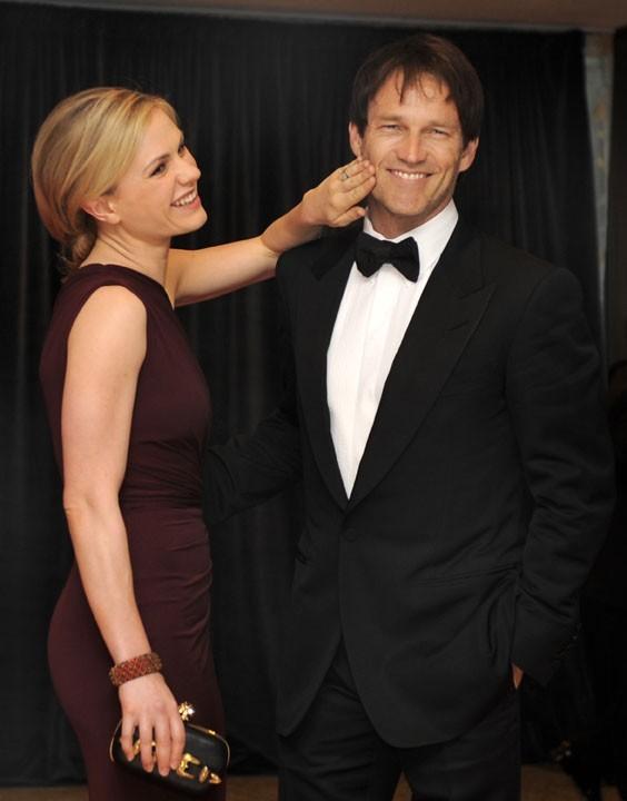 Anna Paquin et son mari Stephen Moyer...d'humeur taquine !