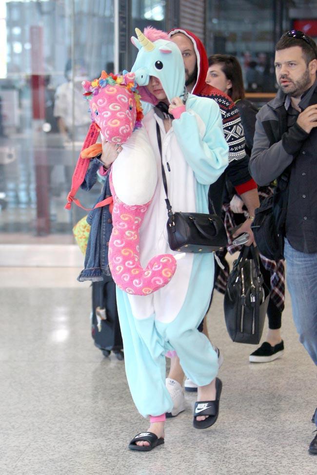 Miley Cyrus à l'aéroport de Sydney le 25 octobre 2014