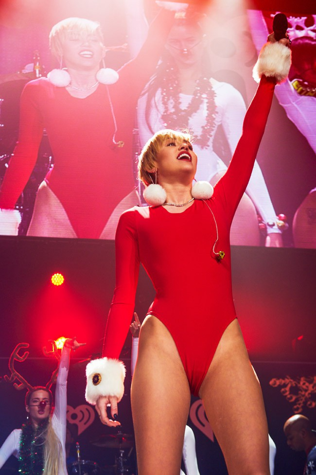 Miley Cyrus en concert pour le Jingle Ball à St Paul le 10 décembre 2013