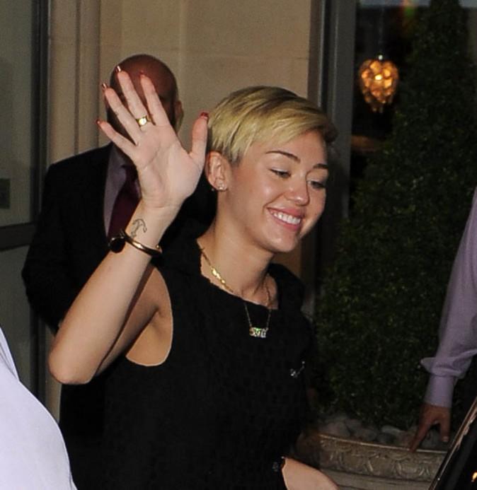 Miley salue ses fans !