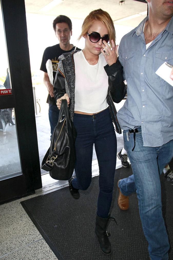 Miley Cyrus le 7 juin 2012 portant la même bague