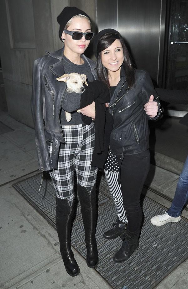 Miley Cyrus avec sa maman, Tish, à New-York le 15 février 2013