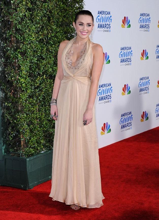 Miley Cyrus à la soirée des American Giving Awards hier !