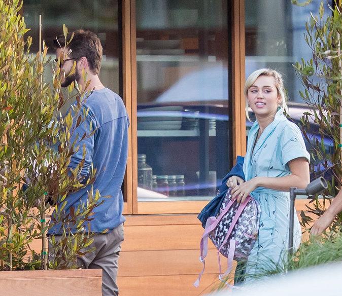 Liam Hemsworth et Miley Cyrus passent tout leur temps ensemble