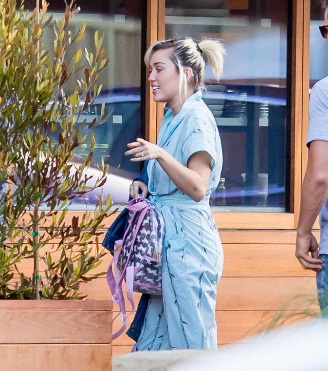 Miley Cyrus a laissé pousser ses cheveux