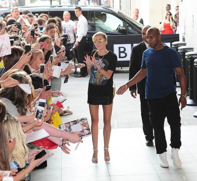 Miley Cyrus devant les studios de la BBC, à Londres, le 18 juillet 2013