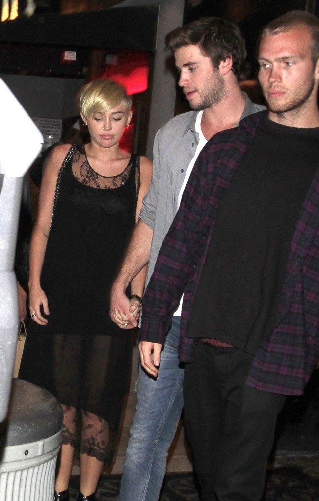 Miley Cyrus et Liam Hemsworth dans le West Hollywood le 16 septembre 2012