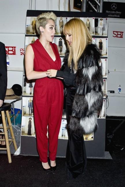 Miley Cyrus et Rachel Zoe 13 février 2013 à New York
