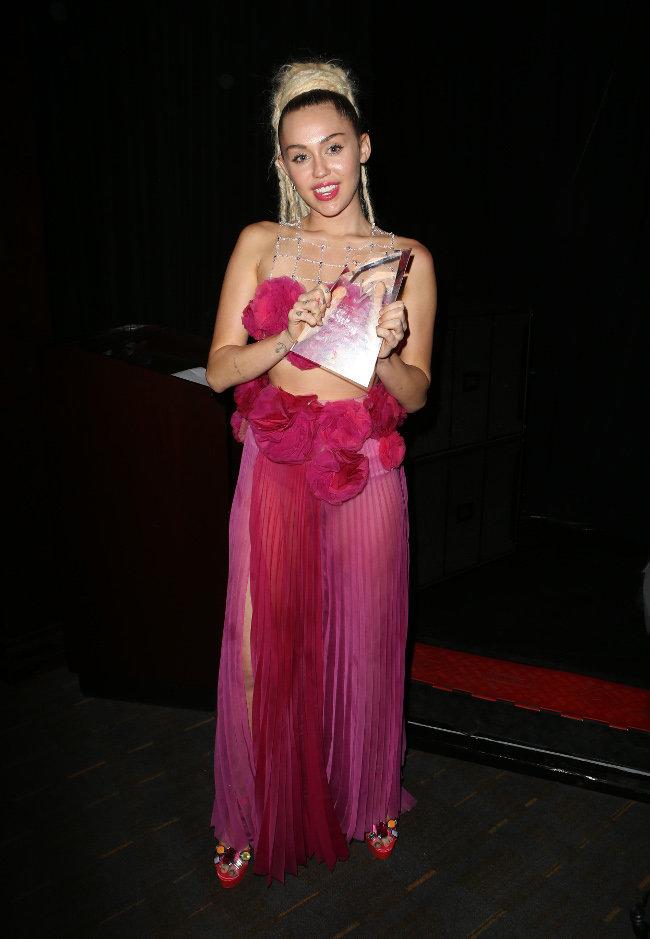 Miley Cyrus à Los Angeles le 7 novembre 2015