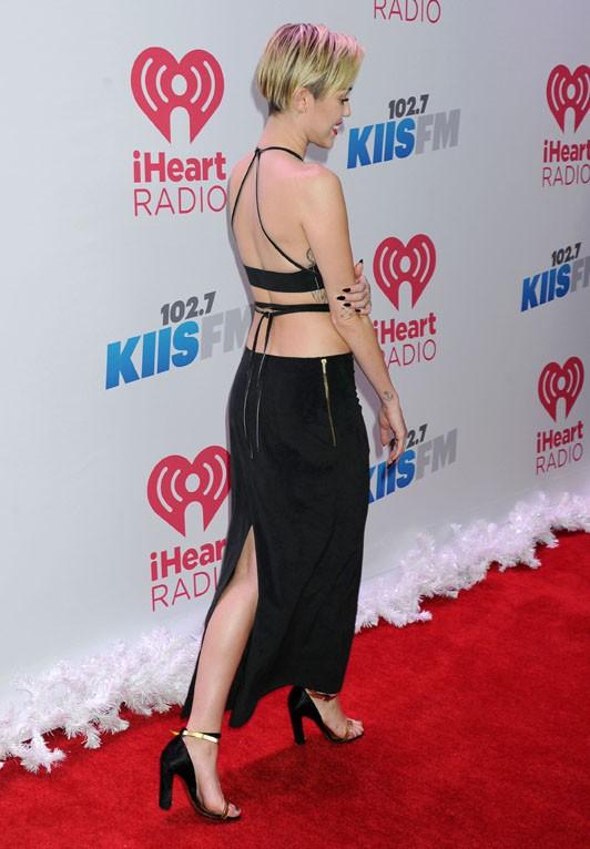 Miley Cyrus au concert 102.7 KIIS-FM's Jingle Ball organisé à Los Angeles le 6 décembre 2013