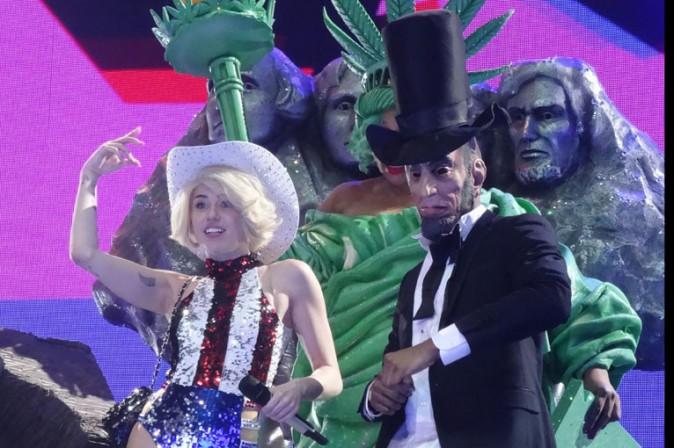 Miley Cyrus en concert à Anaheim le 20 février 2014