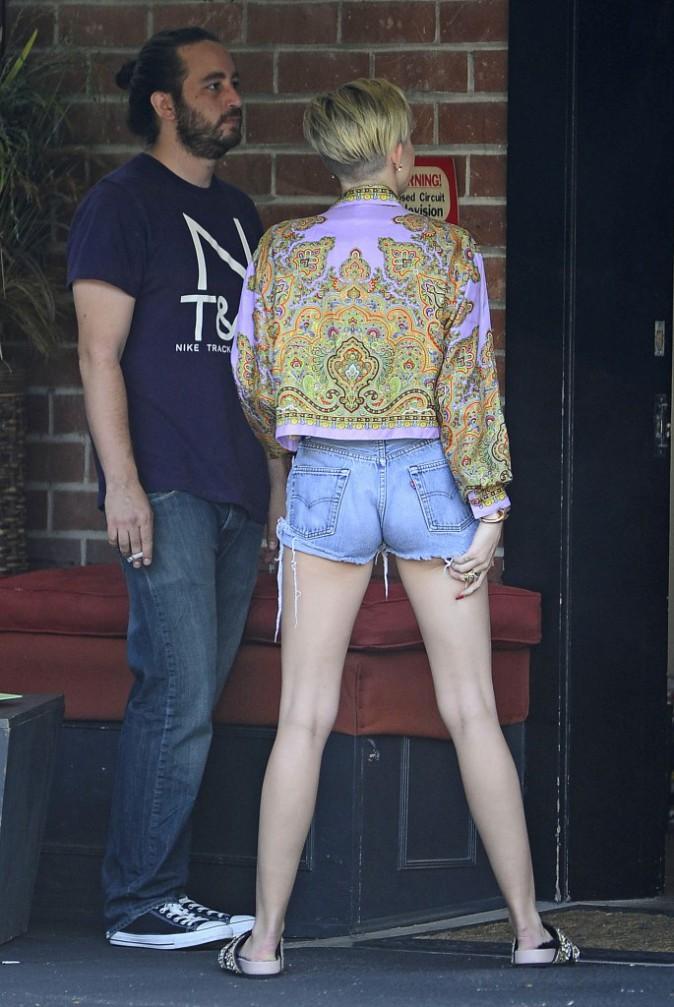 Un look 90's pour Miley Cyrus
