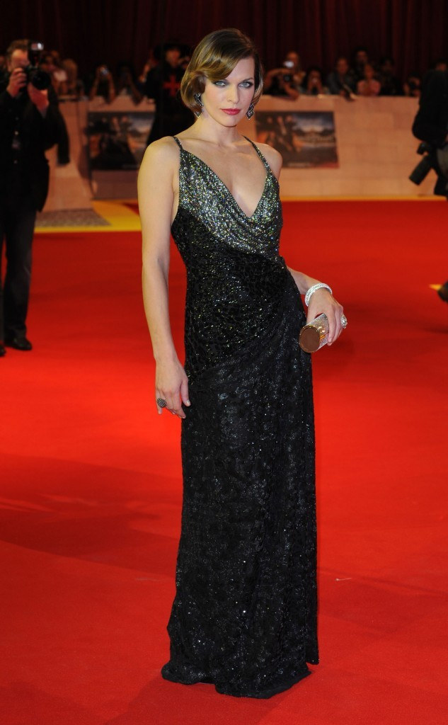 Milla Jovovich lors de la première mondiale du film Les Trois Mousquetaires à Londres, le 4 octobre 2011.
