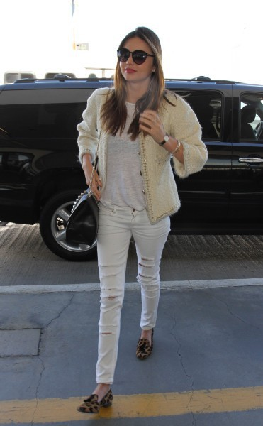 Miranda Kerr à l'aéroport de Los Angeles direction New York, le 6 novembre 2013.