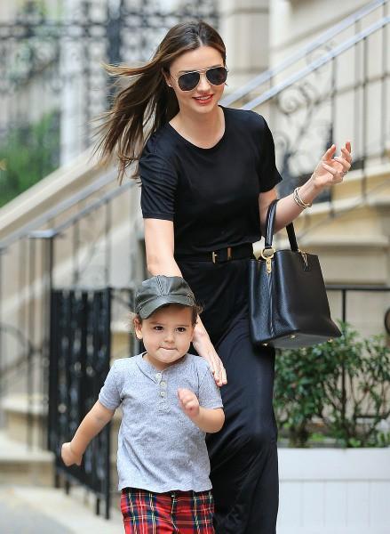 Miranda Kerr et son fils à New York, le 6 octobre 2013.