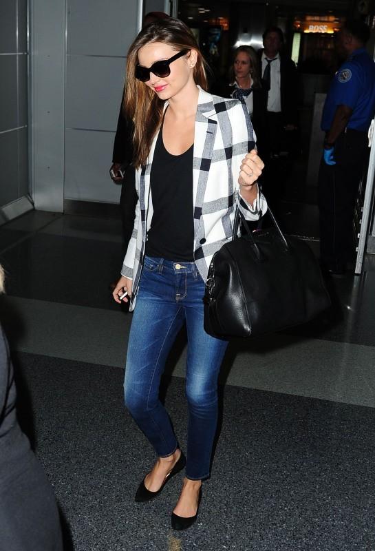 Miranda Kerr à l'aéroport de New York, le 25 février 2013.