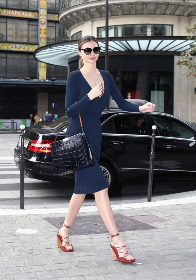 Photos : Miranda Kerr, la plus lookée des parisiennes !