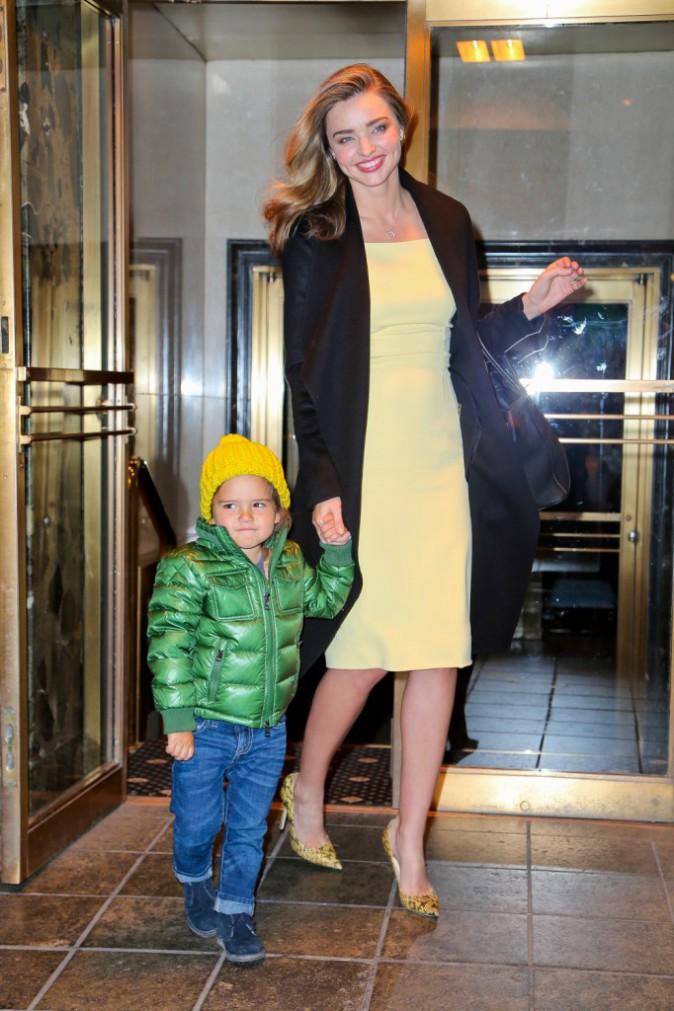 Miranda Kerr et son fils Flynn à New York, le 26 mars 2014.