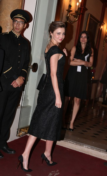 """Miranda Kerr lors de l'after-party de la première du documentaire """"Mademoiselle C."""" à Paris, le 1er octobre 2013."""