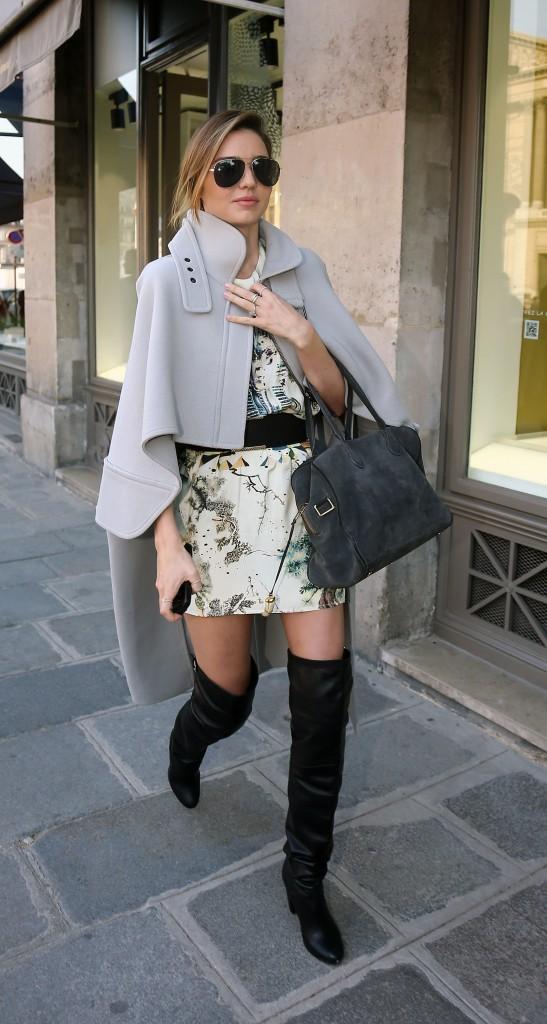 Miranda Kerr se rendant au défilé Louis Vuitton à Paris, le 2 octobre 2013.