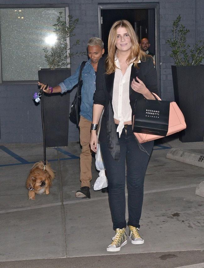 Mischa Barton à la sortie du salon de coiffure Rossano Ferretti de Beverly Hills le 16 avril 2013