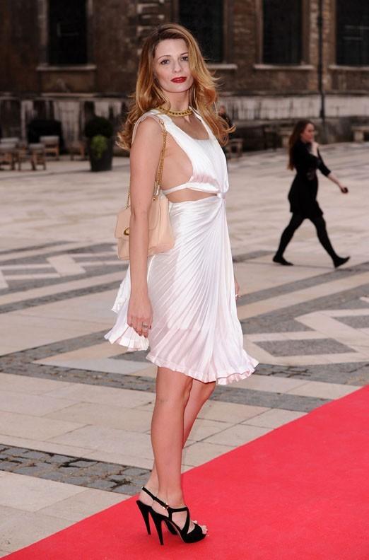 Mischa Barton à un gala organisé à Londres le 3 mai 2012