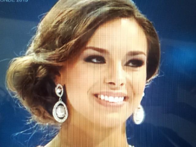 Marine Lorphelin termine deuxième au concours de Miss Monde 2013