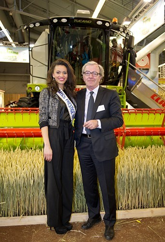 Photos : Miss Prestige National 2013 : la jolie Auline Grac a fait son apparition au Salon de l'Agriculture !