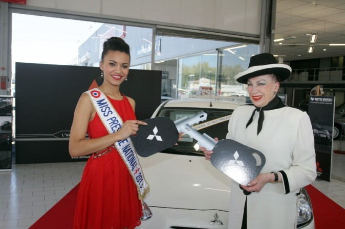 Miss Prestige National et Geneviève de Fontenay chez le concessionnaire Mitsubishi