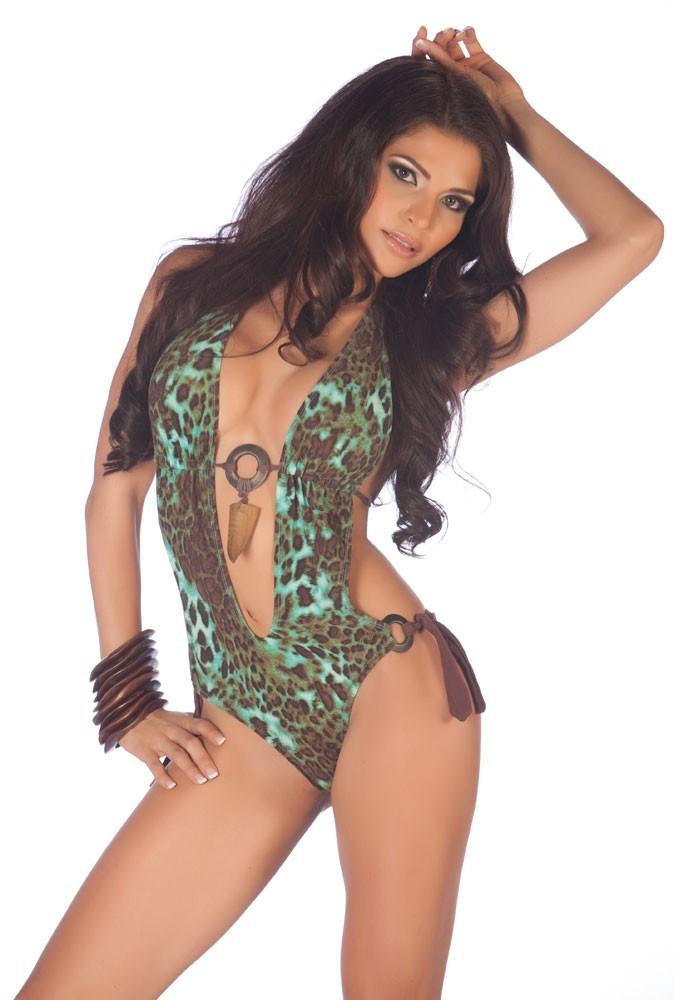 Candidate à Miss Univers 2011 : Miss Trinité et Tobago
