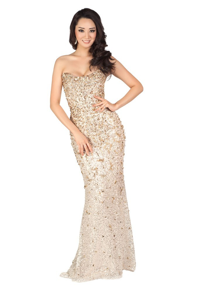 Miss Corée en robe de soirée