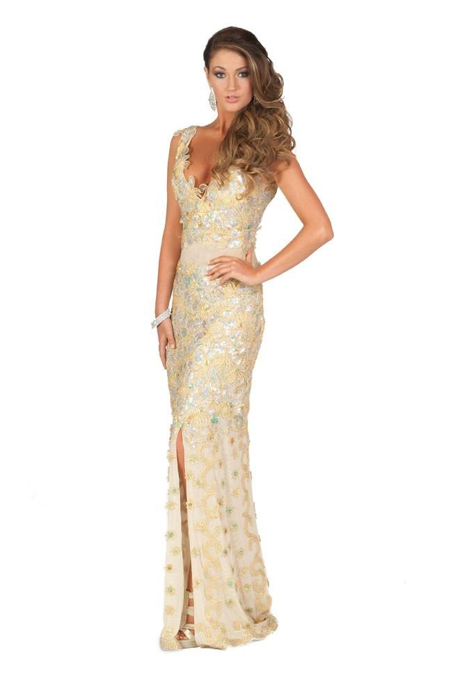 Miss Irlande en robe de soirée