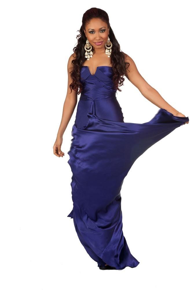 Miss Nigeria en robe de soirée