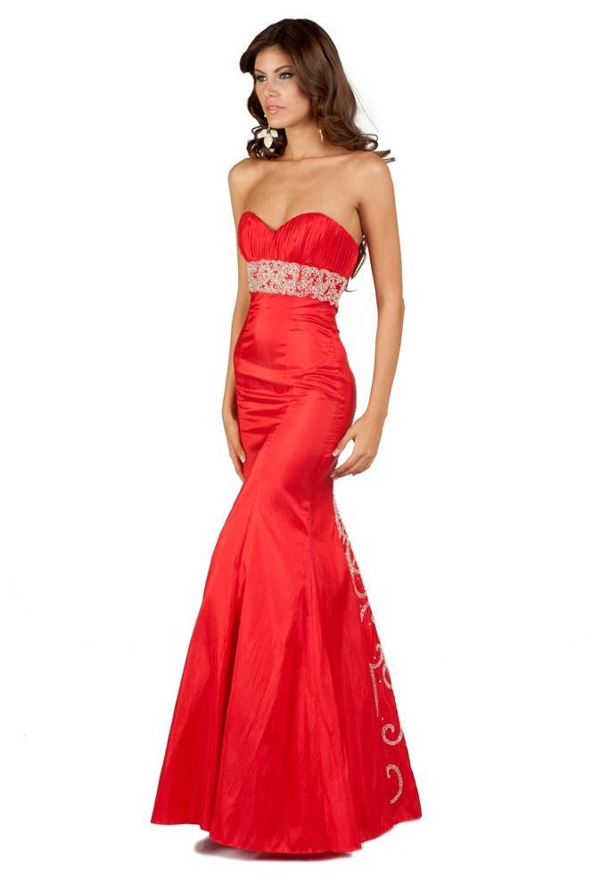 Miss Paraguay en robe de soirée