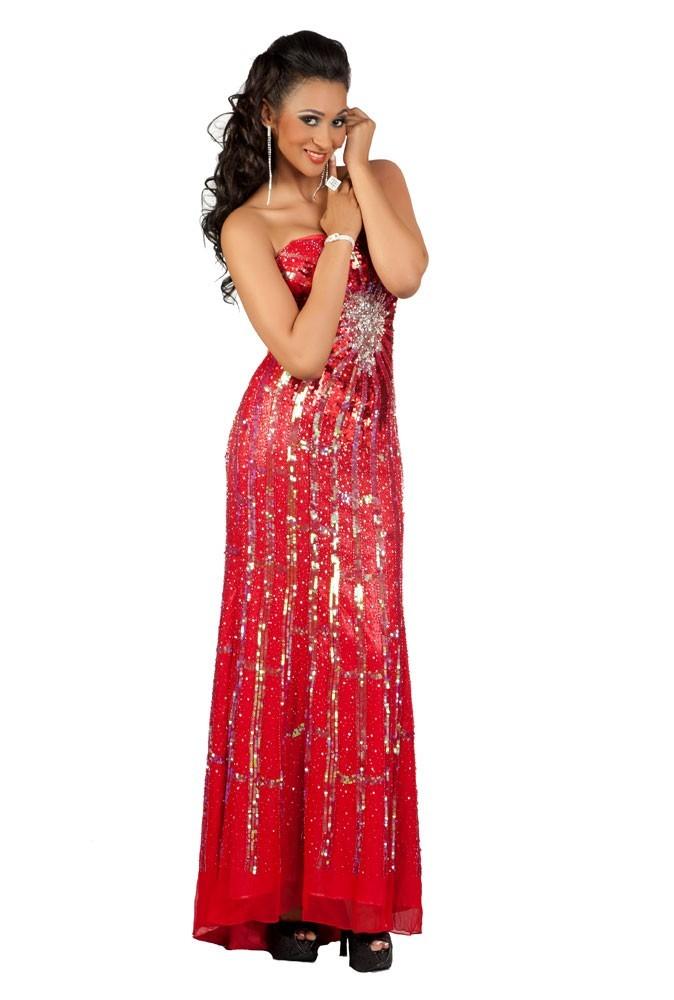 Miss Tanzanie en robe de soirée