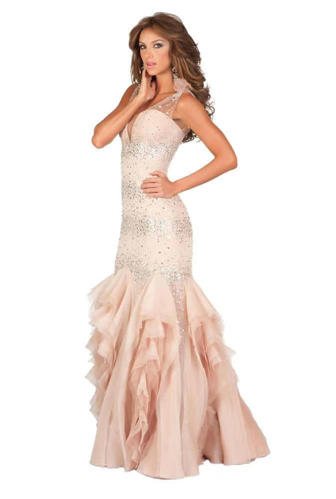 Miss Venezuela en robe de soirée