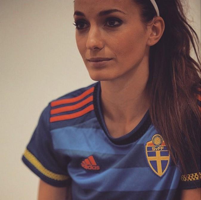 Kosovare Asllani - Suède