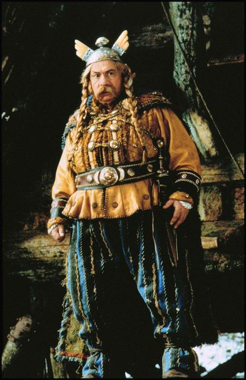 Michel Galabru dans Astérix et Obélix contre César