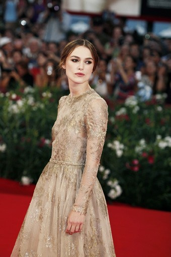 Keira Knightley, romantique dans sa robe Valentino Couture !
