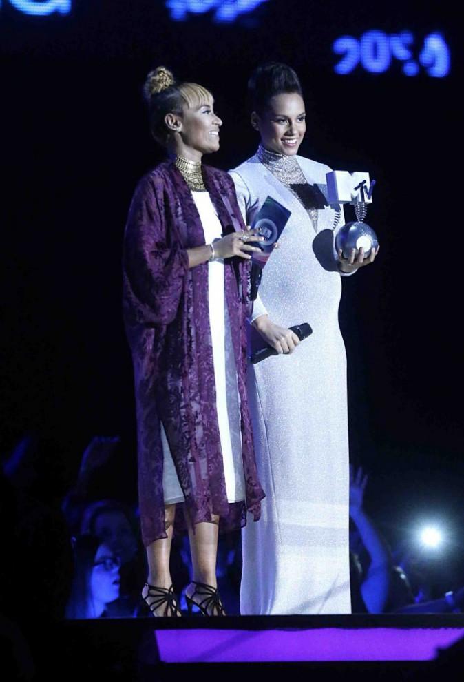 MTV EMA 2014 : Alicia Keys : même enceinte, elle assure le show !