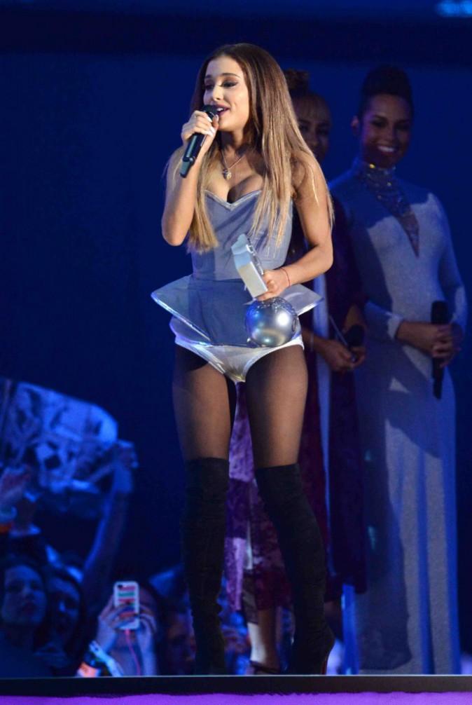 MTV EMA 2014 : Ariana Grande : performance de haut vol en Écosse !