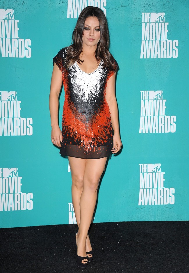 Superbe dans sa robe Fendi !