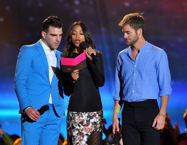 Zachary Quinto, Zoe Saldana et Chris Pine lors des MTV Movie Awards 2013 à Los Angeles, le 14 avril 2013.