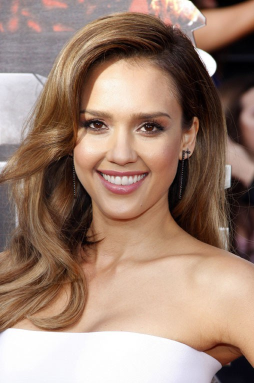 Jessica Alba à la cérémonie des MTV Movie Awards organisée à Los Angeles le 13 avril 2014