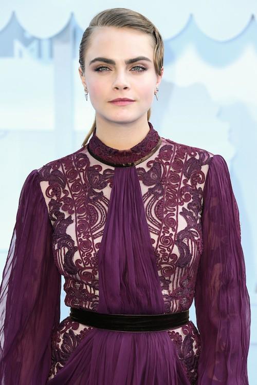 Photos : MTV Movie Awards 2015 : Cara Delevingne, rétro pour son premier tapis rouge en tant qu'actrice !